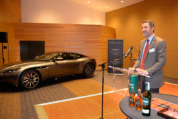 Aston Martin Barcelona participa en la Burns' Night