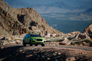 Bentley Bentayga bate récords en Pikes Peak