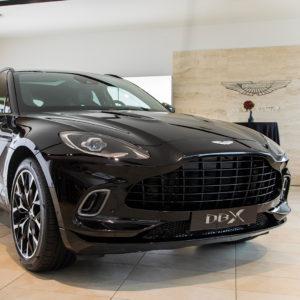 El nuevo Aston Martin DBX aterriza en Cars Gallery