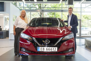 Nissan celebra la fabricación del LEAF número 500.000