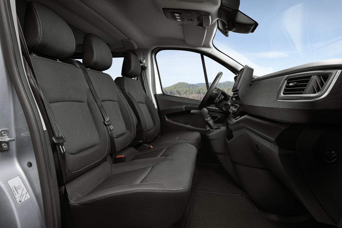 La nueva Nissan NV300 Combi es ahora más atrevida, potente y segura